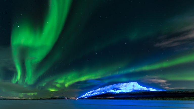 Saana-tunturi Luminous Finland 100 voimavalokuva
