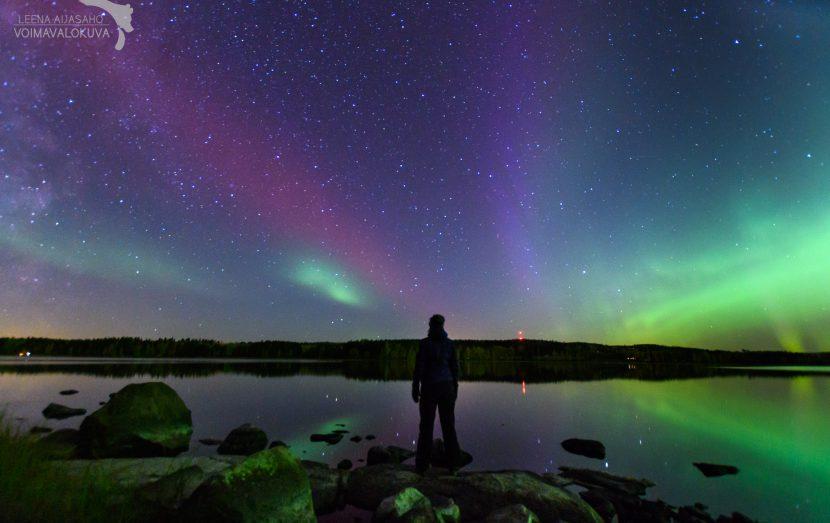 Revontulet 7.10.2018 Kuva Leena Aijasaho voimavalokuva Lannevesii